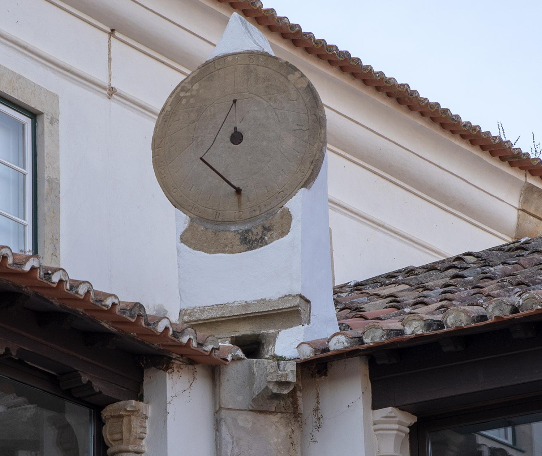 Relógio de sol oferecido por Damião de Góis