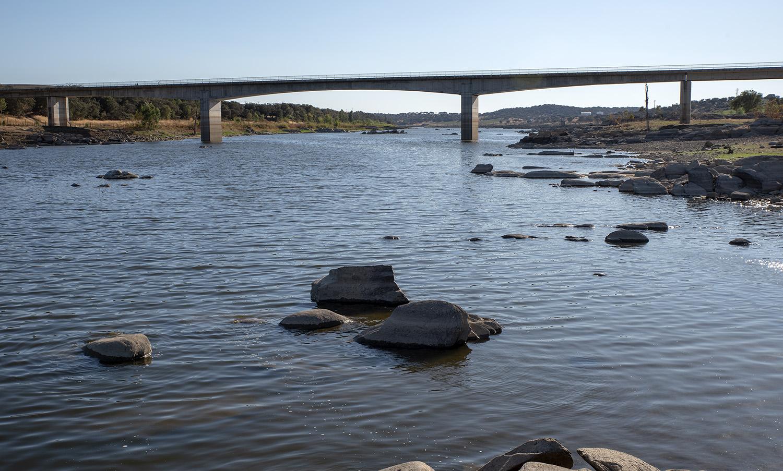 """A nova ponte foi paga por Portugal por as duas margens do rio estarem em """"território português"""""""