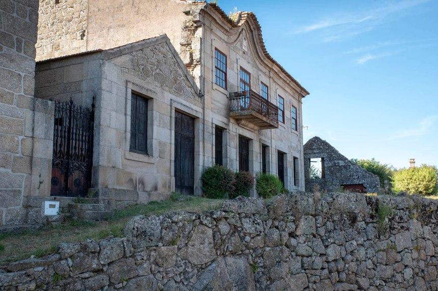 Algodres tem um centro histórico com casas tradicionais