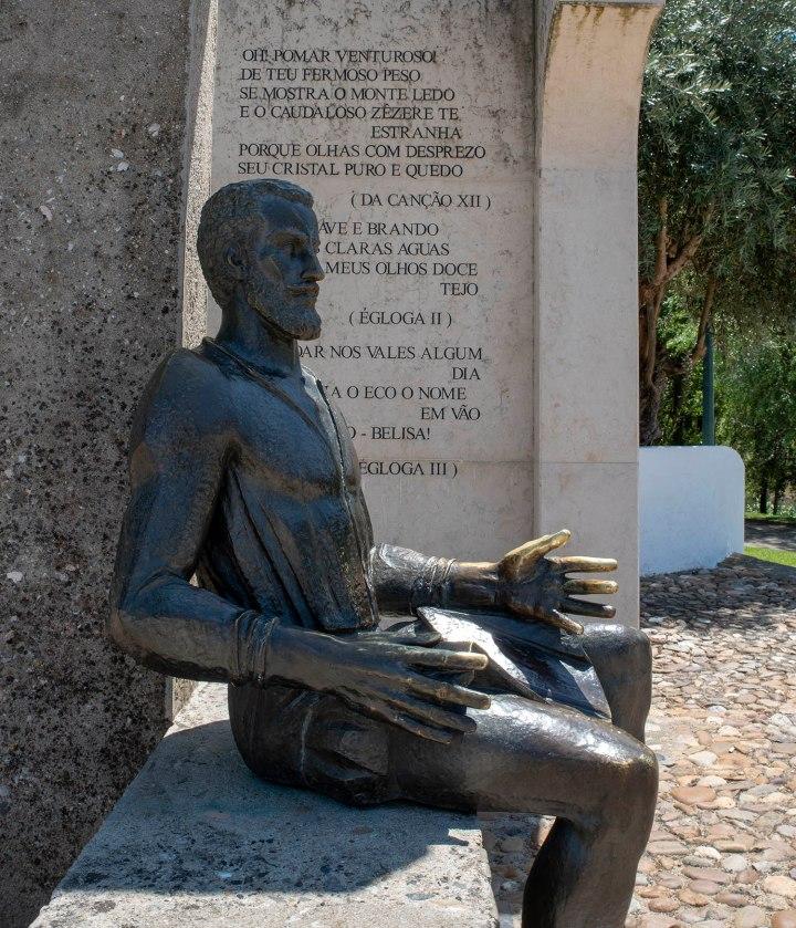Monumento a Camões da autoria de Lagoa Henriques