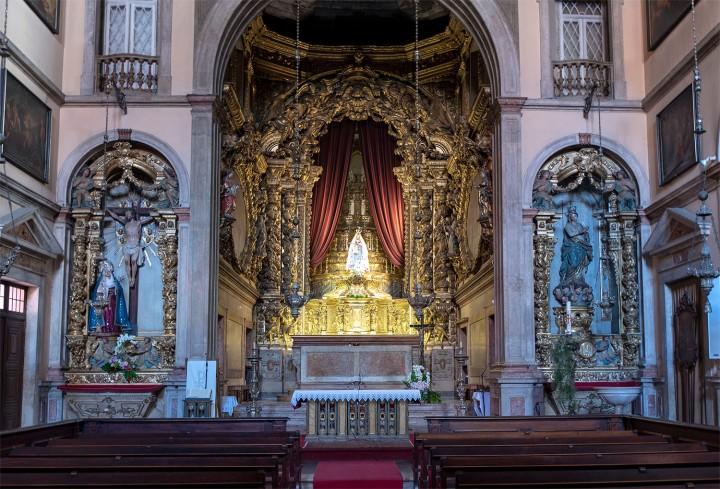 Interior da igreja da Pena