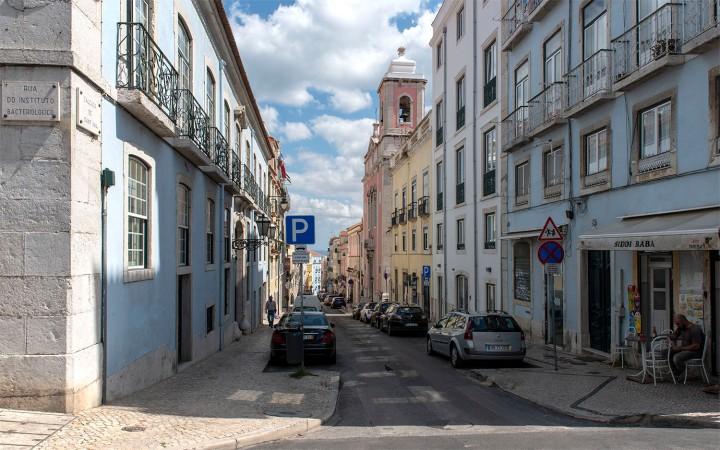 Calçada Sant'Ana e igreja da Pena