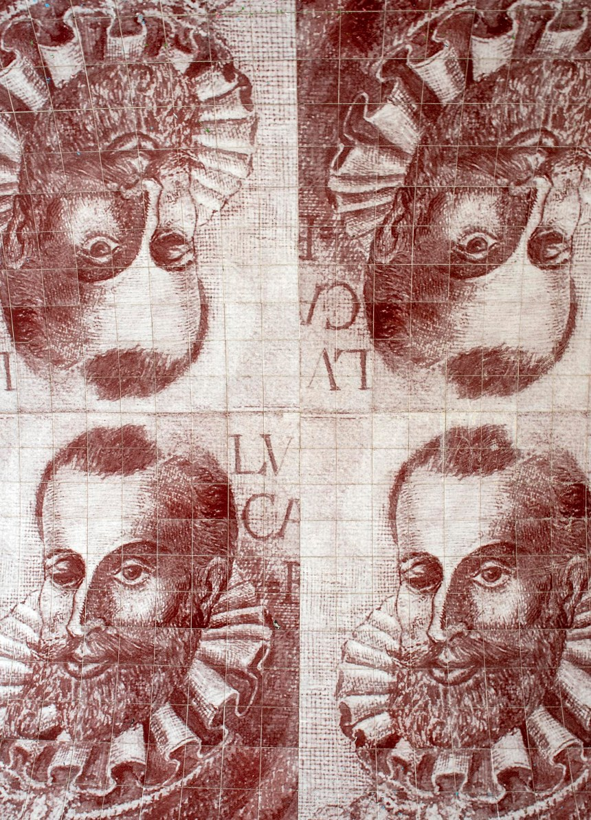 Mosaicos retratam Camões. Trabalho de Leonel Moura no Pátio do Tronco