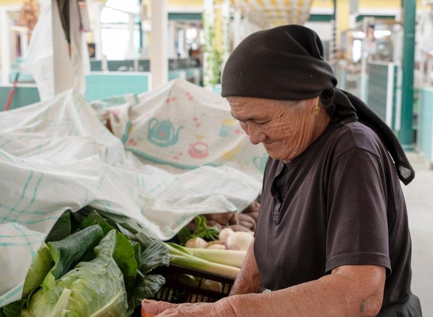 site_mercado_vila_franca_mulher_6577