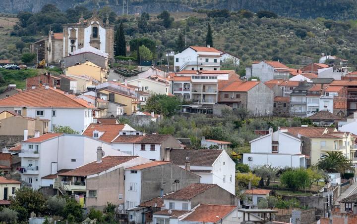 Convento de S. Filipe Nery no alto da vila