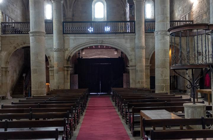 Nave central da igreja