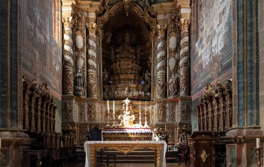 Altar-mor de estilo barroco