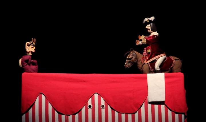 Espetáculo uma Tourada dos Diabos - Robertos, Viola e Campaniça  ©Trulé
