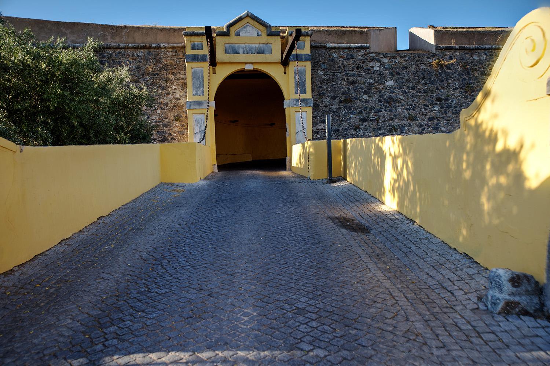 site_elvas_fortaleza_porta2_hdr