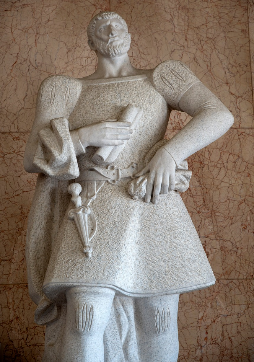 Estátua no interior dos Paços do Concelho