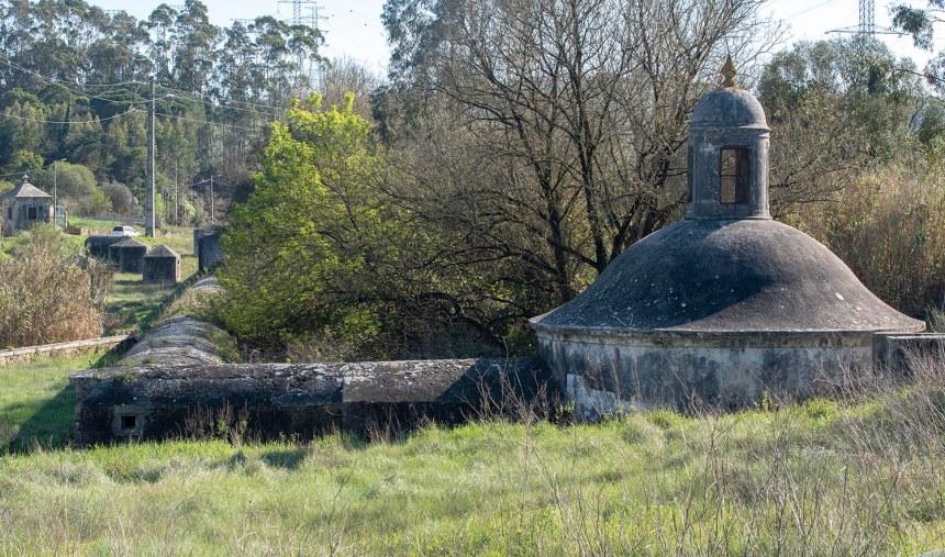 Mãe de Água Velha em Belas, na fase inicial do Aqueduto das Águas Livres