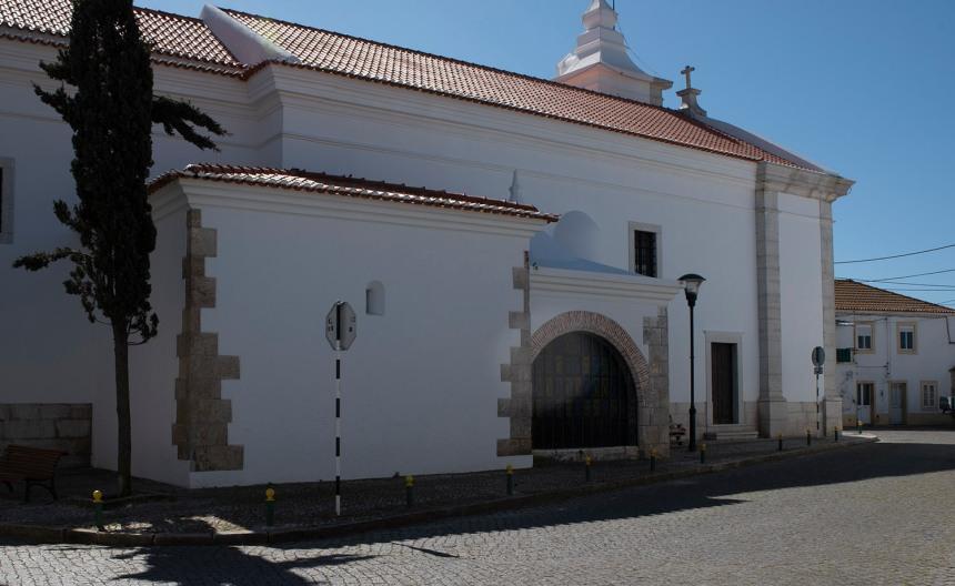 Ermida e a igreja de S. Jorge