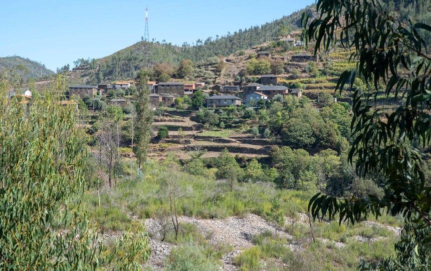 Vista de Janarde na estrada para Arouca