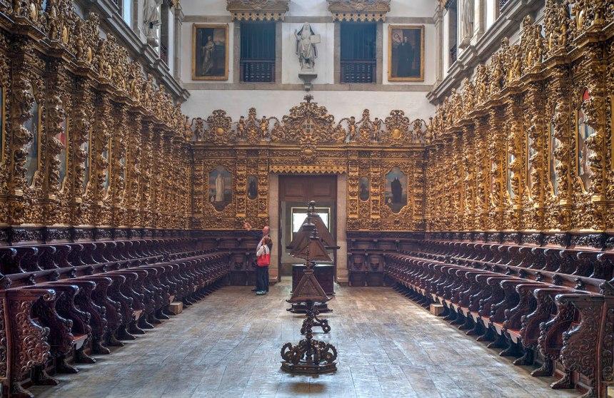 site_arouca_mosteiro_cadeiral1b_hdr
