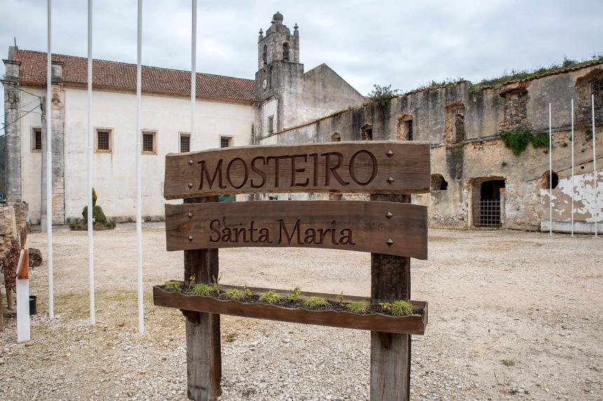 site_coz_mosteiro_exterior_8153